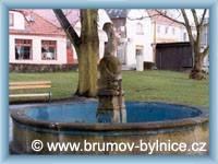 Brumov - Kašna na náměstí