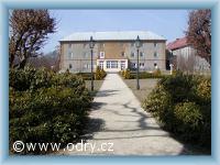 Spálov - bývalý zámek s parkem