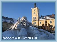 Tradiční socha sněhového Krakonoše