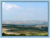 Vodní nádrž Nové Mlýny - okolní krajina
