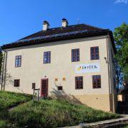 DOTEK Dům obnovy tradic, ekologie a kultury