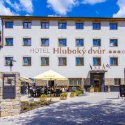 Wellness hotel Hluboký dvůr***