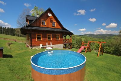Roubenka Stříbrnice s bazénem