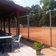 Rekreační zařízení s ubytováním a tenisovými kurty