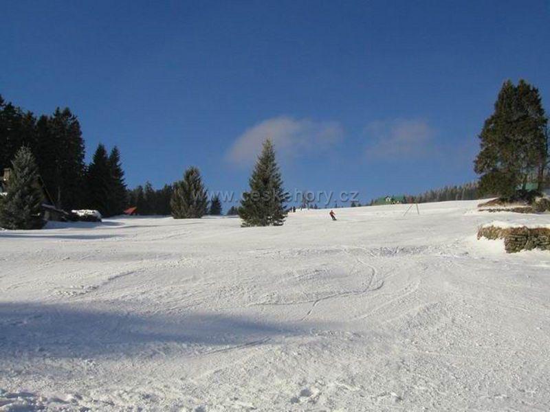 Skiareál Pěnkavčí vrch