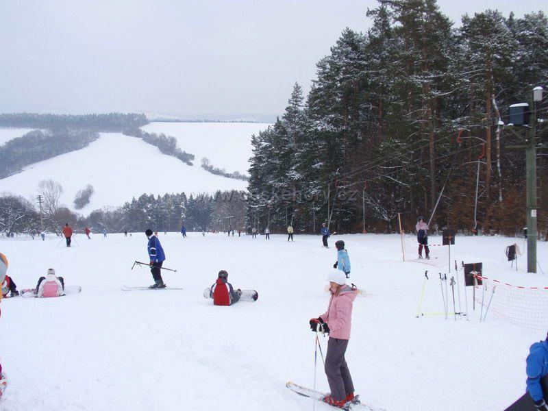 c2e18d198e8 Ski Lyžařský areál Újezd u Valašských Klobouk