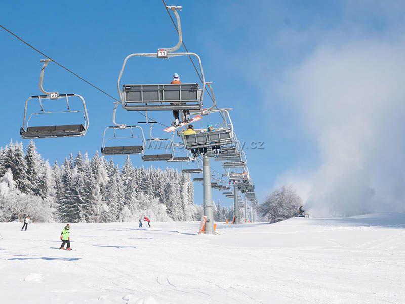Skiareál Čerťák
