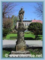 Olešnice v Orlických horách - Socha na náměstí