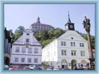 Náchodský zámek z náměstí