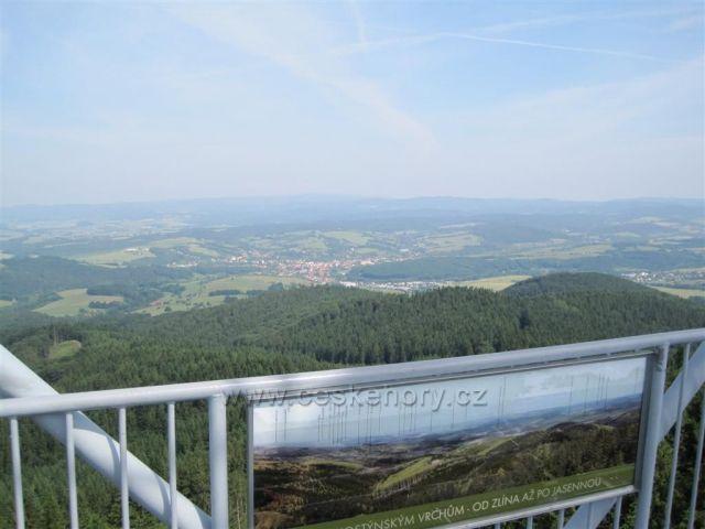 Pohled z rozhledny na Doubravě