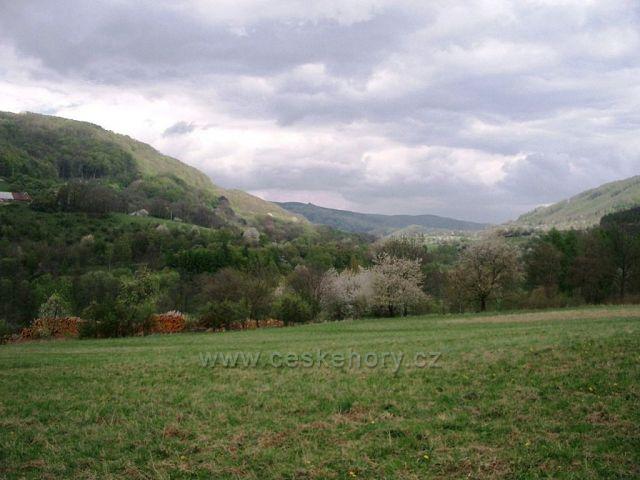 Pohled z Doupovských hor na Stráž nad Ohří