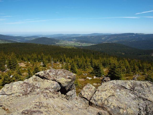 Šumava - Oblík (1225 m.n.m) - pohled na obec Srní