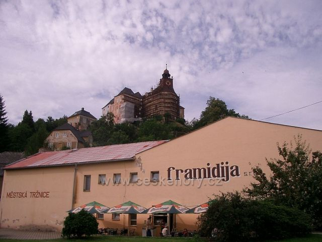 zámek v Javorníku