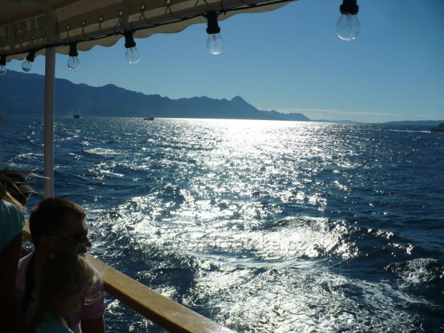 dopolední slunce na lodi,plavba na Hvar