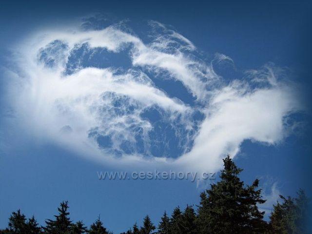 mraky na horách