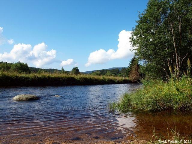 Šumava - Řeka Křemelná v údolí Frauenthalu, kde dříve byla sklárna