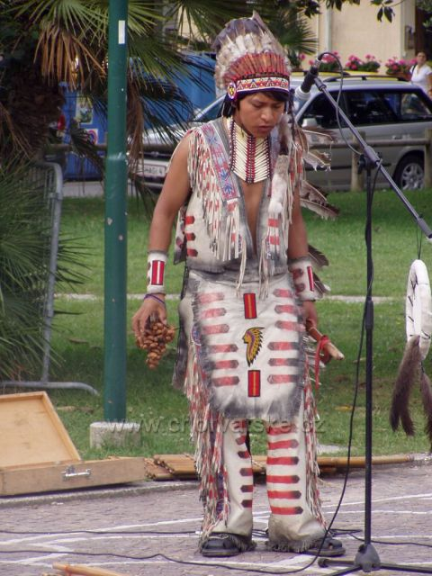 Indiánské vystoupení, příjemný zážitek.