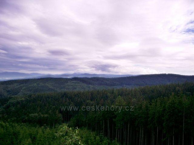 vyhlídka Vysoký kámen  u Horních Hoštic- pohled z něj