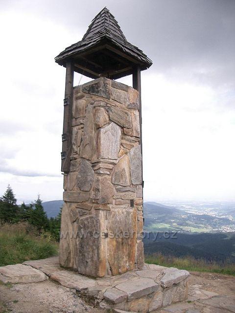 zvonička u chaty na Šeráku