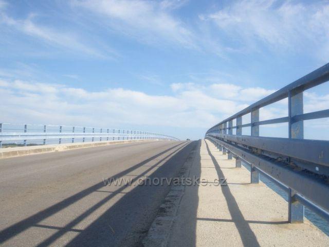 Most na ostrov VIR