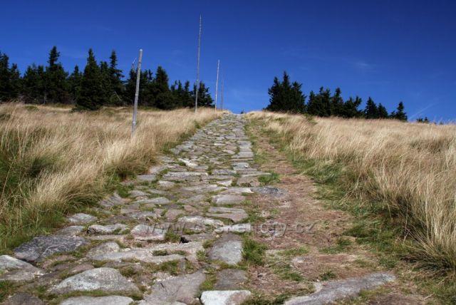 Cesta od Petrovy boudy