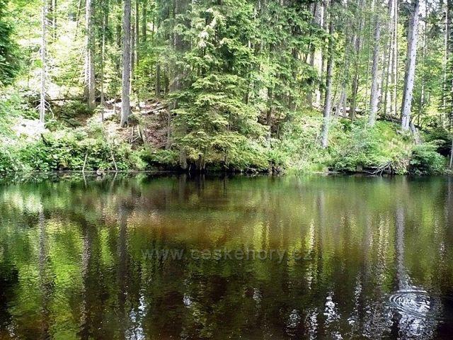 Vodní zrcadlo II