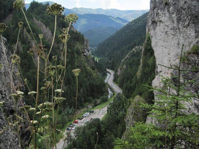 Vrátna dolina ze Zbojnického chodníka