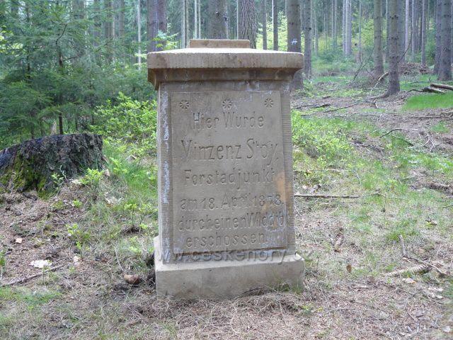 Sokol_pomník lesního adjunkta
