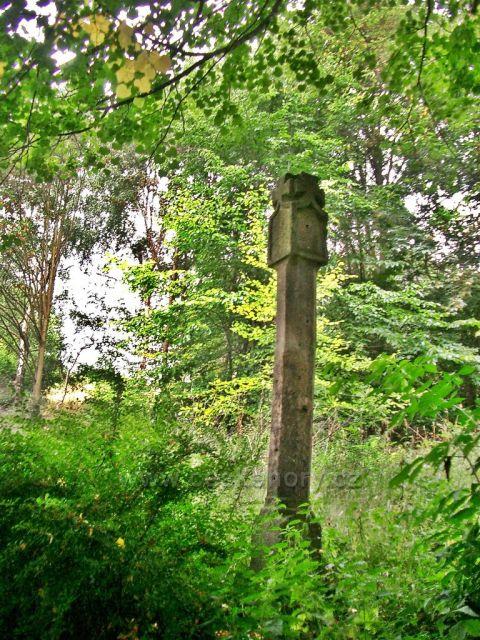 kamenný křížek rozcestník panství Kamenné