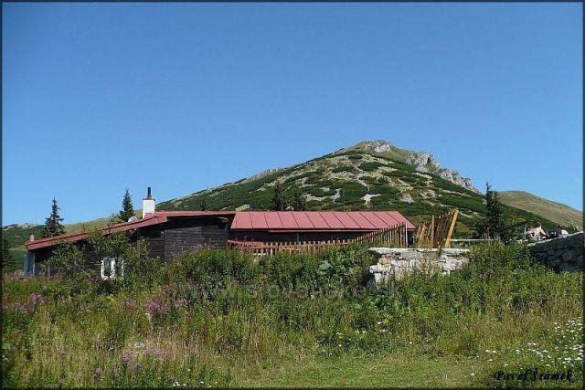 Chata pod Chlebom - v pozadí Chleb