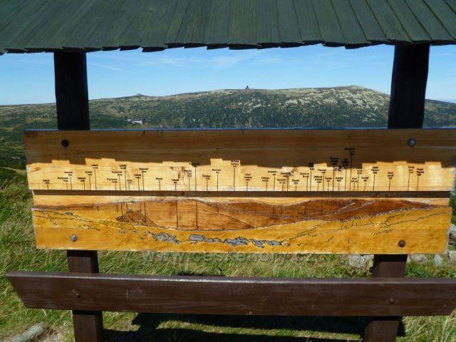 Violík a Labská bouda od Zlatého návrší
