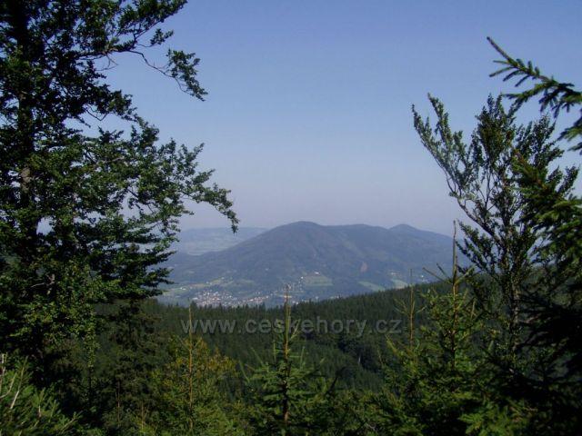 Pohled na pohoří Ondřejníky z Kněhyně- sedla