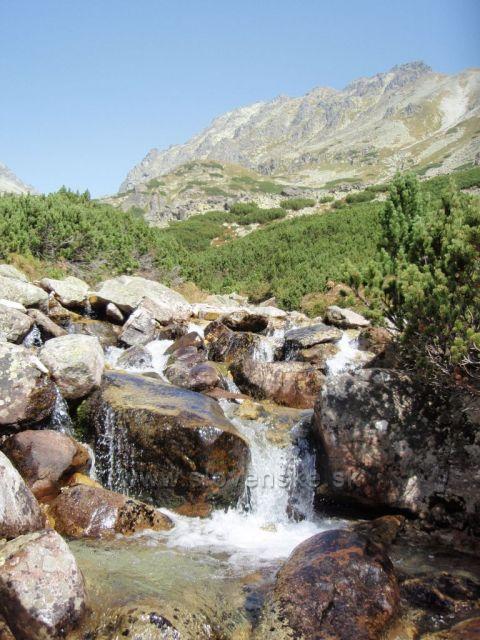 Cesta k vodopádu Skok