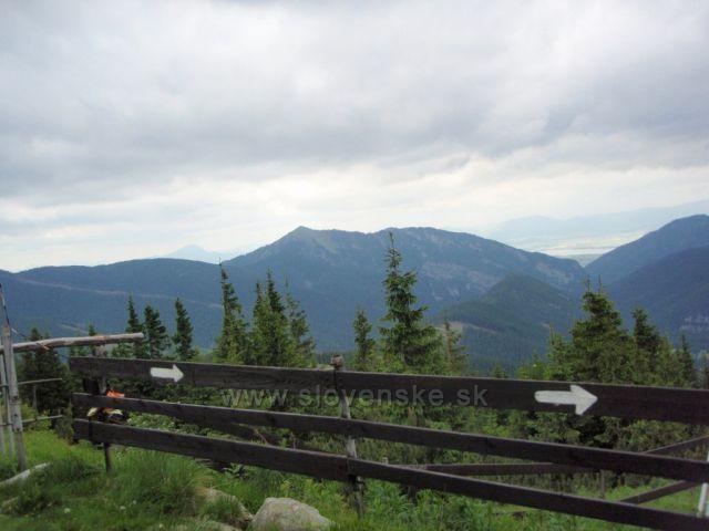 Na přestupním místě lanovky Rovná hoľa (1477m), pod vrcholem Chopok