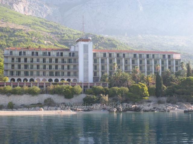 jeden pry zapomenuty hotel pro papalase