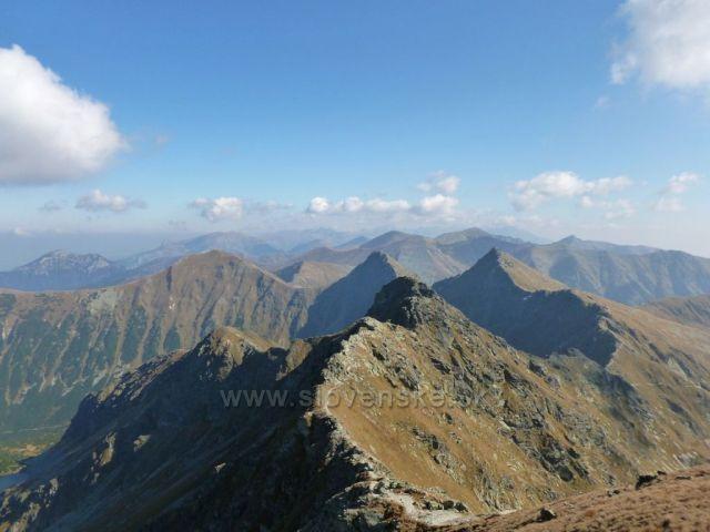 Roháčské vrcholy. Pohled z Hrubé kopy na východ