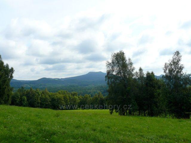 Knesplova vyhlídka-pohled na Lužické hory