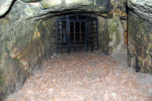 Zelený vrch-Cvikovská jeskyně