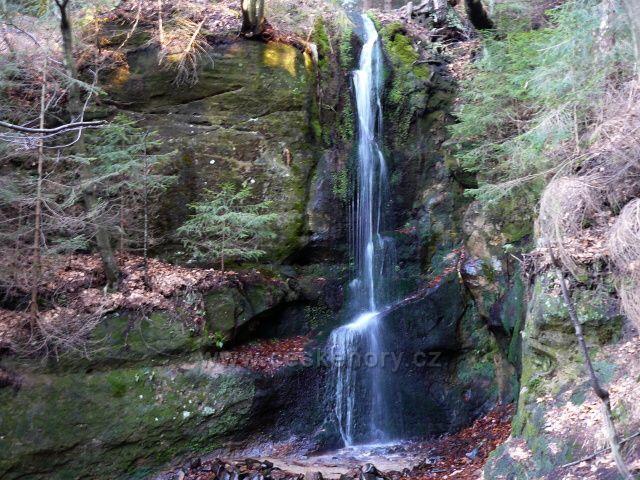 Luční potok-umělý vodopád