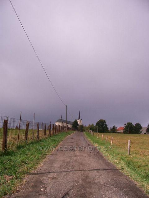 sestup do obce Sobětice