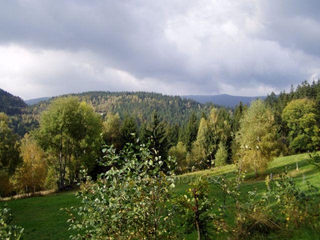 Podzimní krajina-v pozadí vrchol Tanečnice