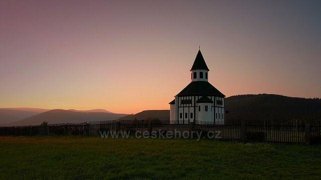 kostelík Tesařov