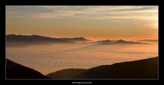 Roháče,východ slnka z Plačlivého(listopad 2011)