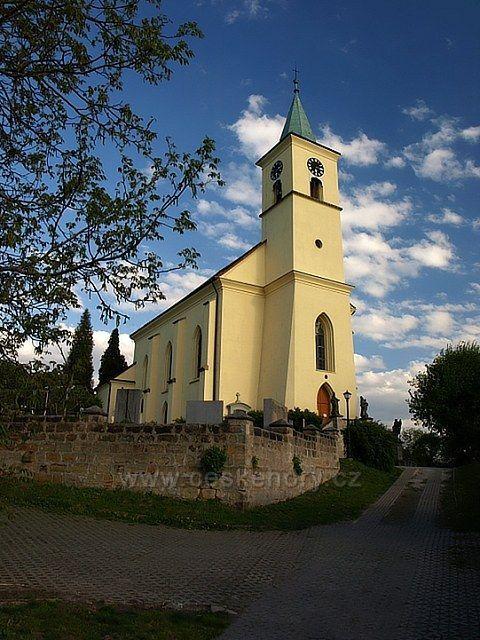 kostel sv Filipa a  sv Jakuba ve Všeni