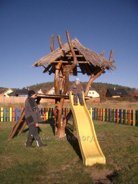 dětské hřiště v Málkově