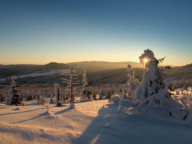 Východ slunce z Vlašského hřebenu.