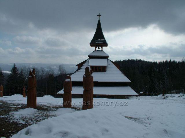 Zvonice před bouří