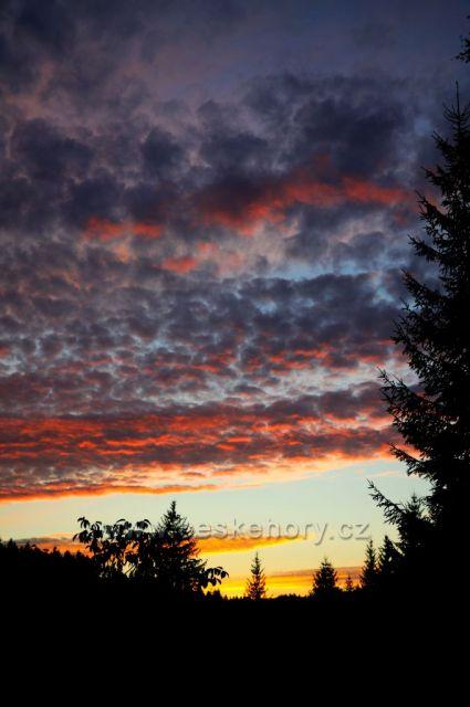 Západ slunce v srpnu