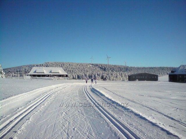 Běžecké tratě u Božího Daru v zimě