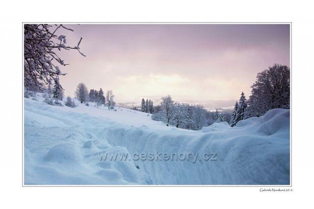Barevná rána na horách